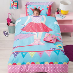 Tabitha Tightrope Quilt Cover Set (Free Bunting)
