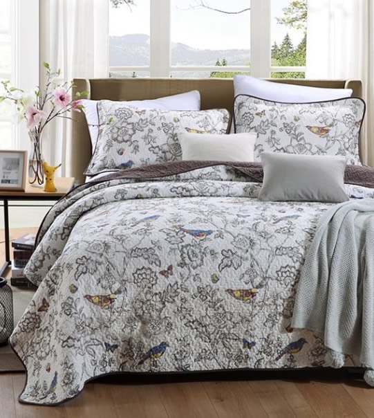 Tula White Coverlet Set