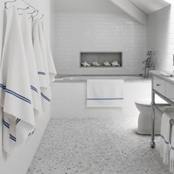 Riviera White Bath Mat
