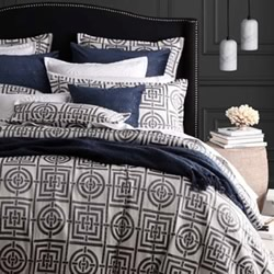 Circles And Squares Silver Quilt Cover Set