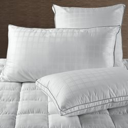 Hotel Deluxe Euro, King & Standard Pillows