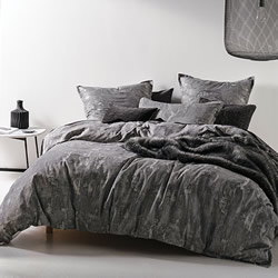 Arista Quilt Cover Set