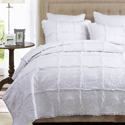 Arianna Coverlet Set