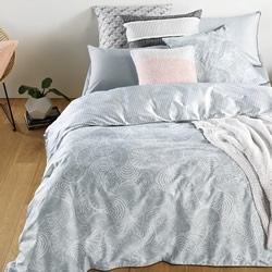 Lavani Platinum Quilt Cover Set