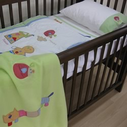 Gingerbread Man Cot Quilt & Cover